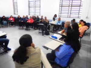 Eda Luis fala para estudantes de pedagogia da Faculdade Sumaré