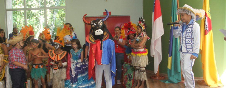 Livro que reúne experiências das Escolas Transformadoras no Brasil é lançado em Manaus