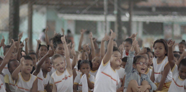 Assista online: escolas que acreditam no trabalho em equipe